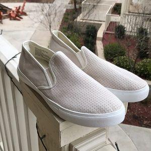 Gap slip on shoes size 10